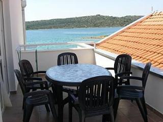 2442 A11(6+2) - Pirovac - Pirovac vacation rentals