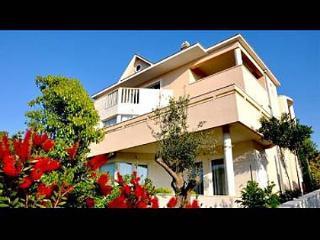3235 A2(3) - Splitska - Splitska vacation rentals