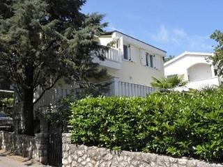 Nice Condo with Television and Satellite Or Cable TV - Malinska vacation rentals