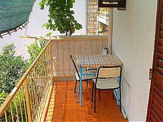 00604KOMI  A1(2+2) - Komiza - Island Vis vacation rentals