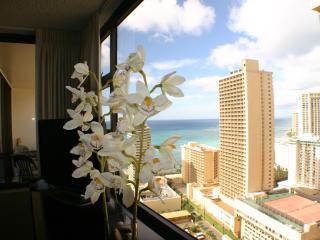 Sweeping Ocean views from prime high floor unit - Honolulu vacation rentals