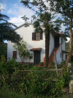 Nice Farmhouse Barn with Internet Access and Satellite Or Cable TV - Pian di Rocca vacation rentals