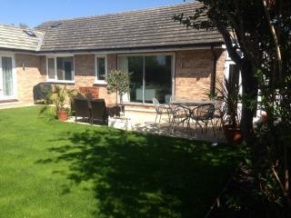 The Dapples, 4 bedroom home, sleeps 7/9 near Epsom and Kingston - Ewell vacation rentals