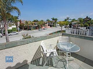 Open Airy Beach Condo Located on Peninsula Point! (68297) - Newport Beach vacation rentals