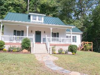 3 bedroom House with Deck in Old Fort - Old Fort vacation rentals