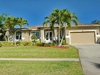 Peaceful house w/ heated pool, short walk to Tigertail Beach & restaurants - Marco Island vacation rentals