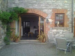 2 bedroom Barn with Internet Access in Drumconrath - Drumconrath vacation rentals