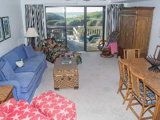 4BR Spacious Oceanfront Condo with Plenty of Room to Spread Out! - Pine Knoll Shores vacation rentals