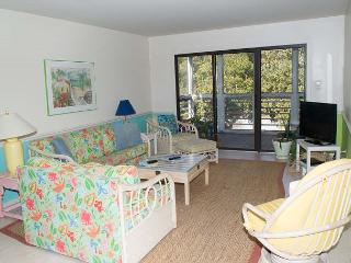 Spacious & Cheerful Condo with views of the Marina and Bogue Sound! - Pine Knoll Shores vacation rentals