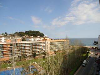 1219 Alba Park 6-4 2 hab SUP - Lloret de Mar vacation rentals