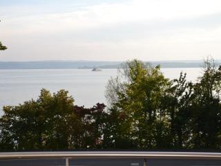 Vacation Apartment in Meersburg - 840 sqft, 2 bedrooms, max. 4 pers. (# 6838) - Meersburg (Bodensee) vacation rentals