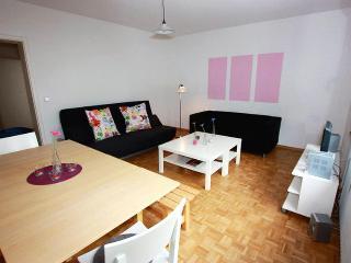 Vacation Apartment in Freiburg im Breisgau - 883 sqft, 2 bedrooms, max. 6 persons (# 6908) - Freiburg im Breisgau vacation rentals