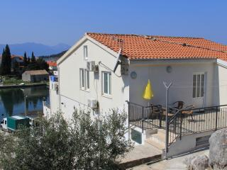 Nice Studio with Internet Access and A/C - Blace vacation rentals