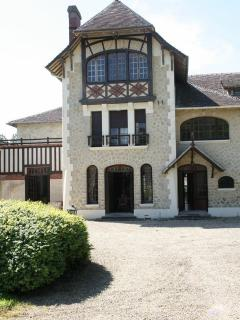 Bright 17 bedroom Chateau in Cabourg with Internet Access - Cabourg vacation rentals