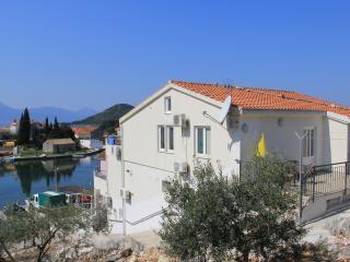 Villa Delta Blace Ap8 - Blace vacation rentals