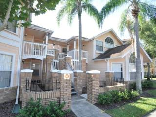 Your perfect DISNEY vacation!  1  Bedroom  with private Bathroom - Kissimmee vacation rentals