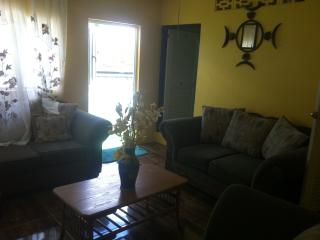 Cozy 2 bedroom Arnos Vale Condo with Internet Access - Arnos Vale vacation rentals