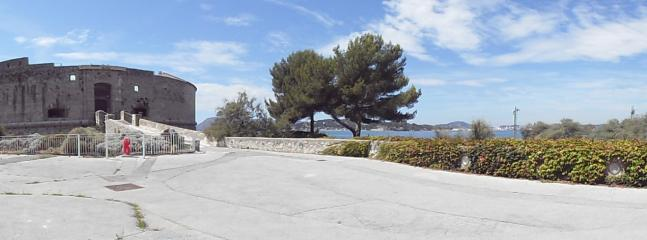 APPART 60m2 PRES DE LA MER, BEAU QUARTIER CALME - Toulon vacation rentals