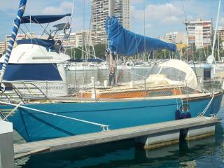 boat accommodation Alicante sleeps 4 - Alicante vacation rentals