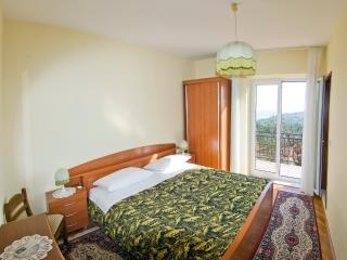 Guesthouse Moretic - Double Room with Garden View 3 - Orasac vacation rentals