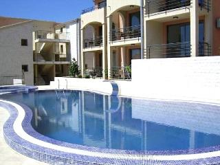 Lovely 1 bedroom Becici Apartment with Internet Access - Becici vacation rentals