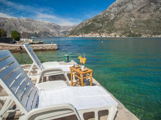 Apartment Daria - One-bedroom apartment with Terrace - Perast vacation rentals
