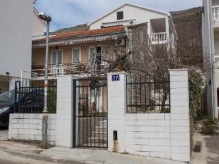 Guest house 4M - Studio (3 Adults) 3 - Petrovac vacation rentals