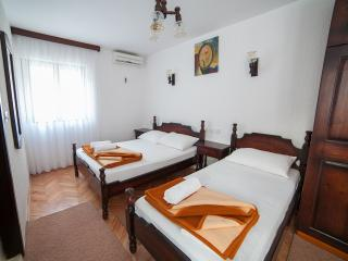 Guest house 4M - Studio (3 Adults) 4 - Petrovac vacation rentals
