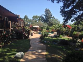 CONTEMPORARY CABIN BY LAKE HODGES - Escondido vacation rentals