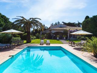 Magnificent St Tropez 5 bedroom Villa ,10 sleeps - Saint-Tropez vacation rentals