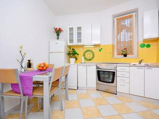 1 bedroom Apartment with Internet Access in Split - Split vacation rentals