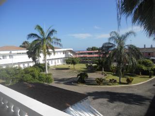 2 Bdrm Apt (Pompano Palms) Budget Vacation Rentals - Kingston vacation rentals