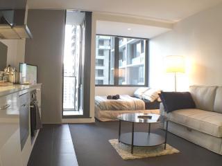 Urbanit3s Studio In Melb's CBD - Melbourne vacation rentals