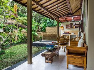 Payogan Homestay Bungalow - Kedewatan vacation rentals