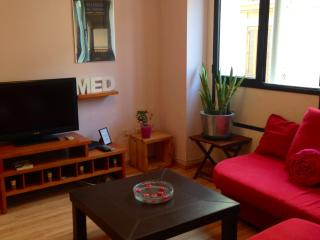 Comfortable Condo with Internet Access and Dishwasher - Valencia vacation rentals