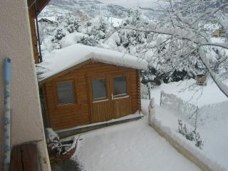 Ski and summer holiday studio apartment and chalet - Chateauroux-les-Alpes vacation rentals