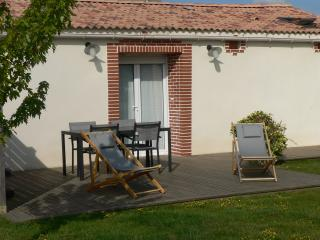 Nice Gite with Internet Access and Hot Tub - Beaurepaire vacation rentals