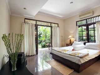 Payogan Homestay - Centre Suite - Kedewatan vacation rentals