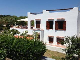 Il mirto splendida residenza, immersa nel verde - Ventotene vacation rentals