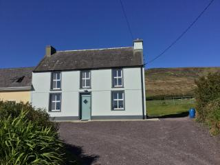 Lovely 4 bedroom Ventry Farmhouse Barn with Internet Access - Ventry vacation rentals