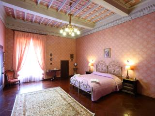 Perfect 3 bedroom Orvieto Apartment with Dishwasher - Orvieto vacation rentals
