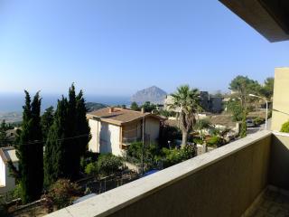 Delizioso appartamento vista mare vicino San Vito - Valderice vacation rentals