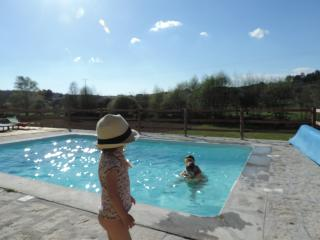 Nice Studio with Internet Access and Dishwasher - Tabua vacation rentals