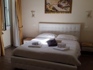 Le Suite di Napoleone B&B - Rome vacation rentals