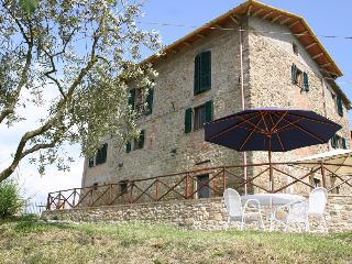 Villa Bastiola with infinity pool, sleeps up to 8 - Calzolaro vacation rentals