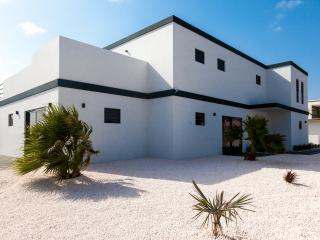 NEW Luxury Villa Vista Royal Q42 (Jan Thiel) - Curacao vacation rentals