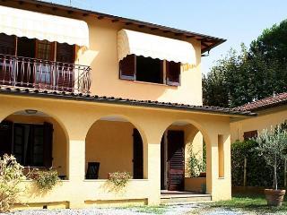 Alessandro - Forte Dei Marmi vacation rentals