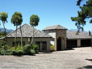 LUSH APARTMENTS - Somerset West vacation rentals