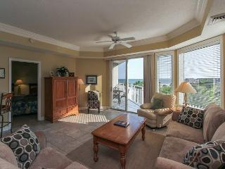 2402 SeaCrest-Pretty Views. Steps to the Beach and Coligny - 3 bedrooms - Hilton Head vacation rentals
