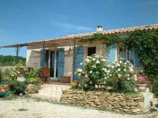 2 Bedroom Villa in Bouches du Rhone - Saint-Cannat vacation rentals